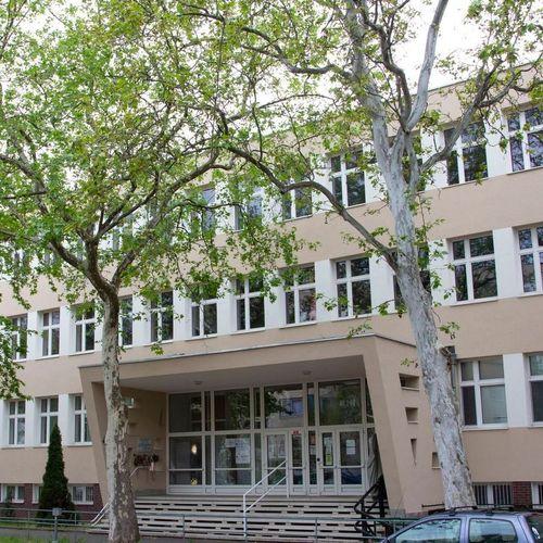 Borító kép a Nyíregyházi SZC Vásárhelyi Pál Technikum intézményről