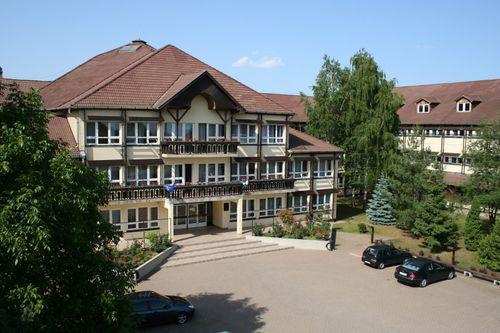 Borító kép a Nyíregyházi SZC Zay Anna Technikum és Kollégium intézményről